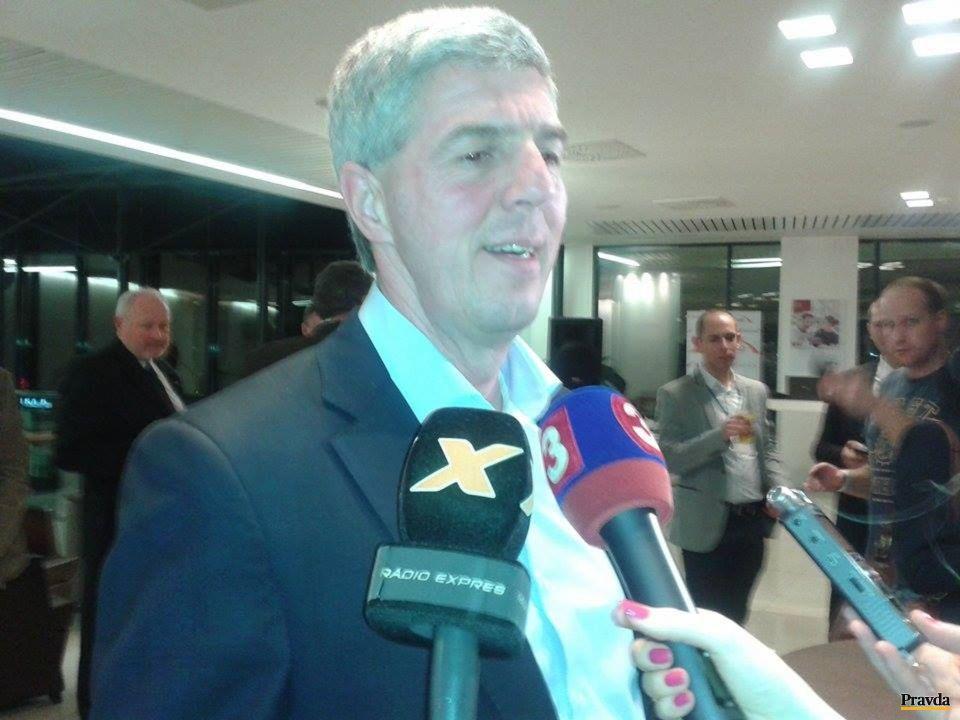 Do Austria trend hotel dorazil dobre naladený predseda strany Most-Híd Béla Bugár.