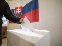 parlamentné voľby 2016, voľby, volebná urna,