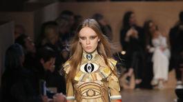 Givenchy - jeseň-zima 2016 - Paríž.