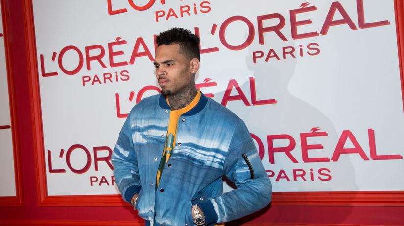Americký spevák Chris Brown.