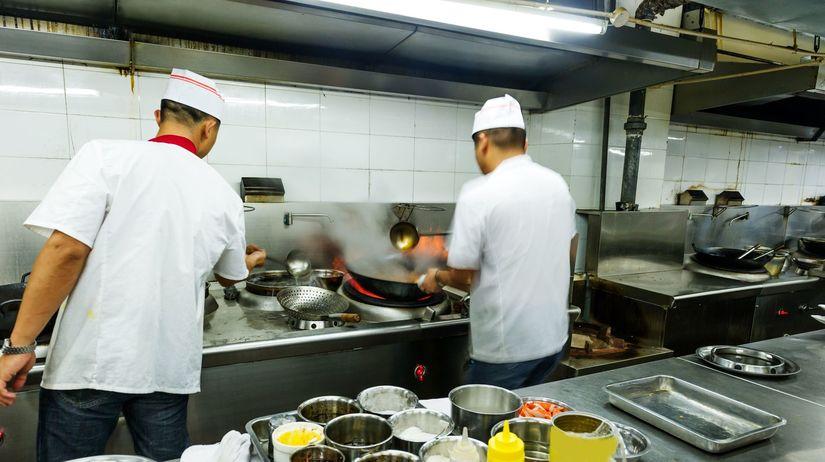 kuchári, kuchyňa, reštaurácia, varenie