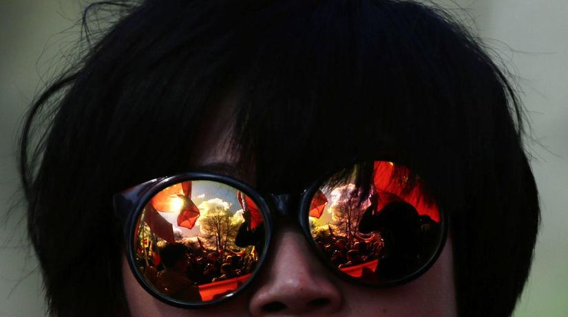 Číňan, slnečné okuliare,