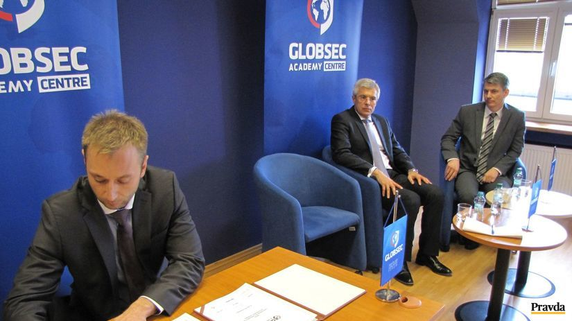 GLOBSEC Academy centre, Vass, Korčok, Terem