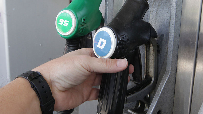 nafta, benzín, tankovanie, pumpa