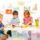 škôlka, deti, materská škola, detské aktivity, hračky, dieťa, kreslenie, kreativita