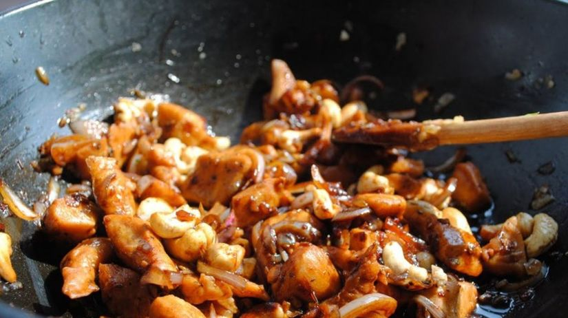 morčacie prsia s orechmi, hydina