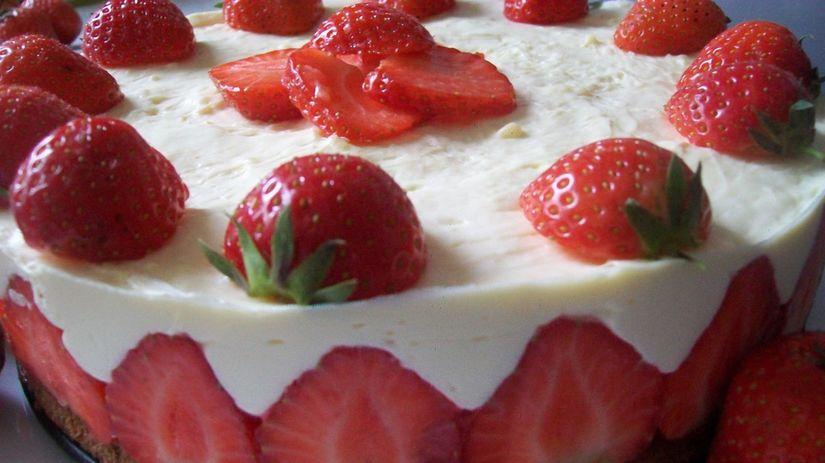 Jahodová torta s penou z bielej čokolády
