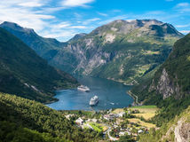 nórsko, príroda, hory, turistika, fjord, lode, plavba,