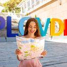 Plovdiv, Bulharsko, cestovateľka, mapa, turistka, žena, cestovanie, dovolenka, orientácia, leto, mesto