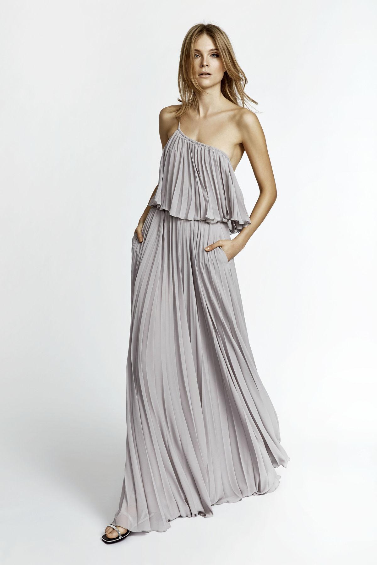 e333a7ea06a7 Dlhé letné šaty môžu byť ležérne