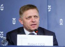 Slovensko sa podľa Fica bude musieť pozrieť na mimovládky
