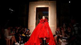 Valentino Haute Couture - jeseň-zima 2016/2017 - Paríž
