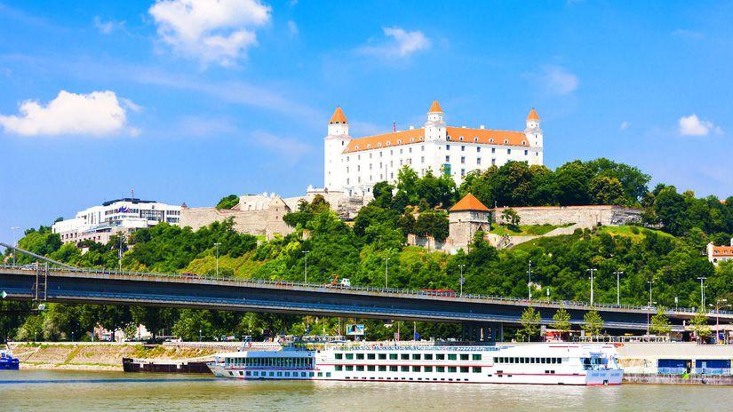 Dunaj, Bratislava, Bratislavský hrad, lode,...