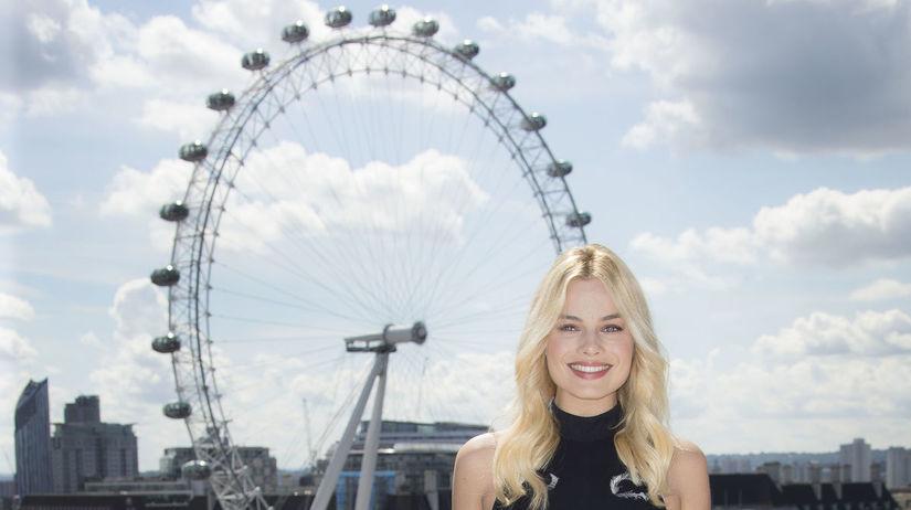 Herečka Margot Robbie na zábere z Londýna.