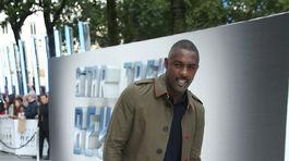 Herec Idris Elba na premiére filmu Star Trek Beyond.