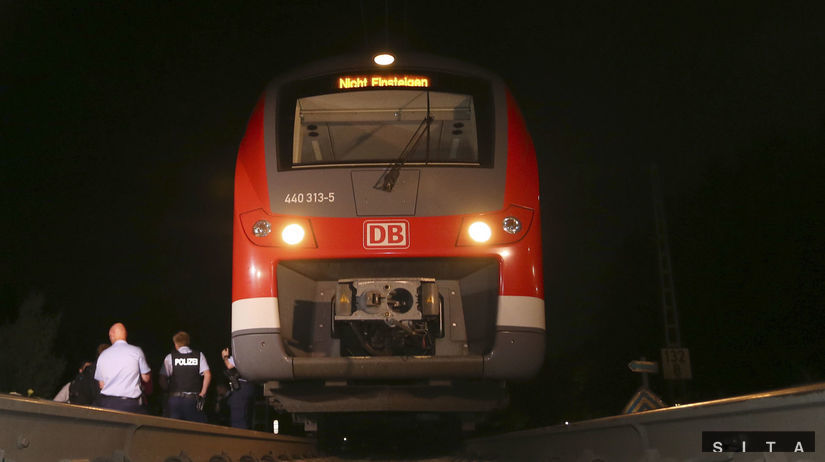 nemecko, bavorsko, vlak, napadnutie,