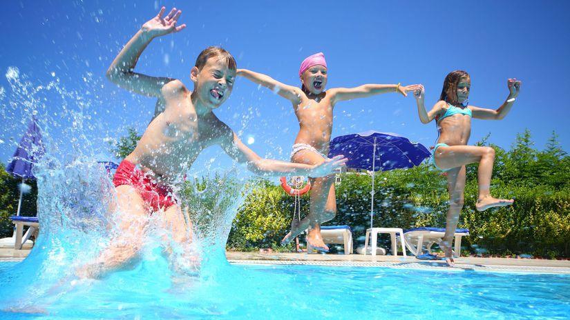 leto, letná dovolenka, slnko, kúpalisko, bazén,...