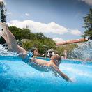 leto, letná leto, dovolenka, slnko, bazén, kúpalisko, tehelné pole, plávanie, šmykľavka, šmýkačka