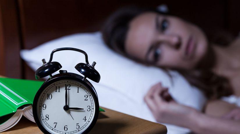 spánok, nespavosť, hodiny, budík, noc, posteľ,...