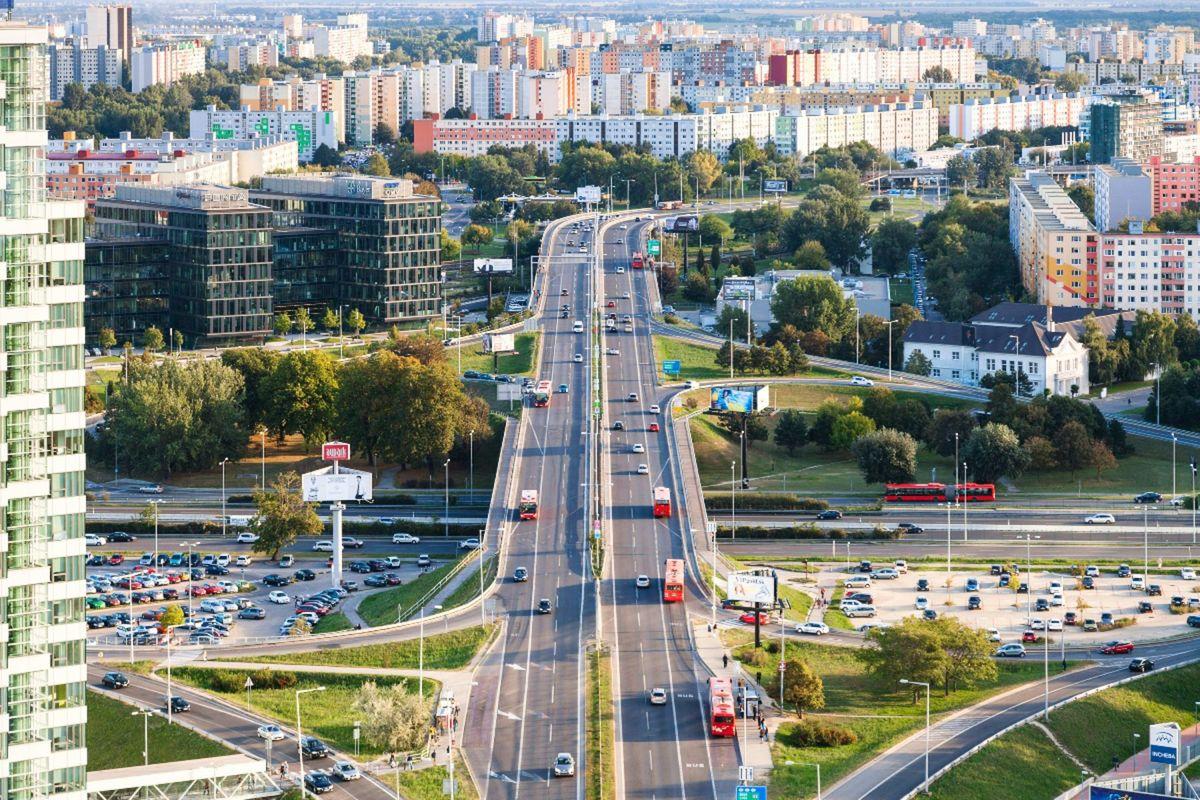 80d63da07 Podľa rezortu dopravy a výstavby je na Slovensku len niečo vyše 100-tisíc  nájomných bytov