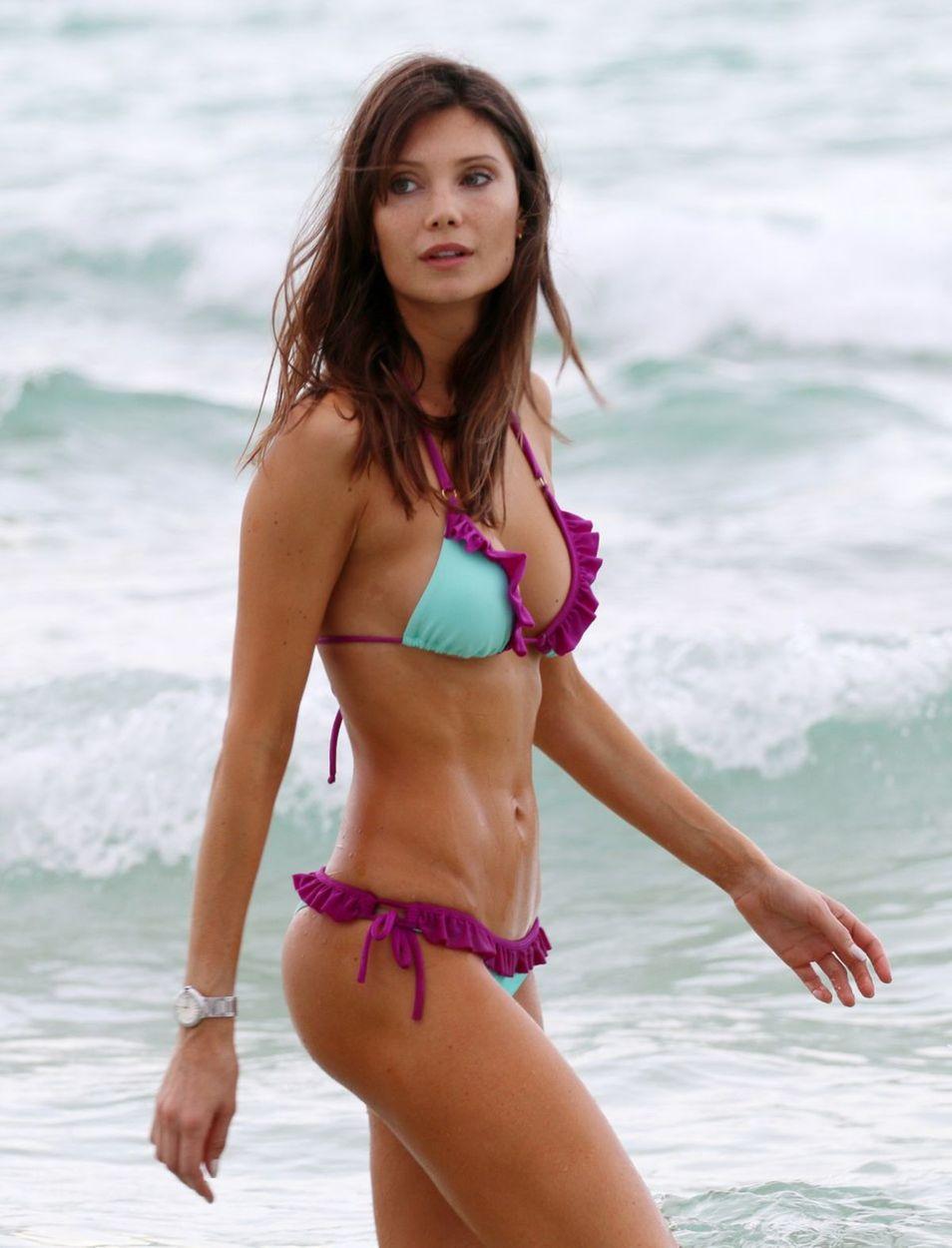 Pics Alix Benezech nude (66 photo), Tits, Bikini, Twitter, legs 2018