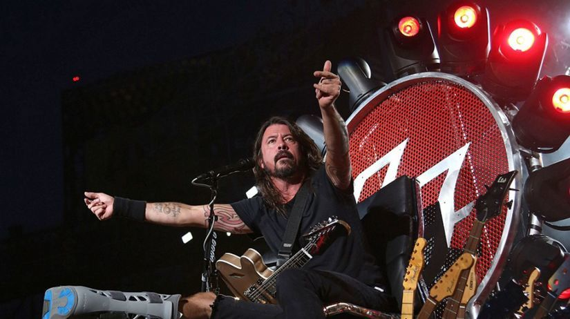 Foo Fighters Rockin 1000 Dave Grohl