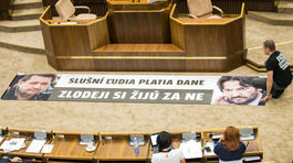 transparent, NR SR, parlament, schôdza, Igor Matovič, Róbert Kaliňák, Baštrnák