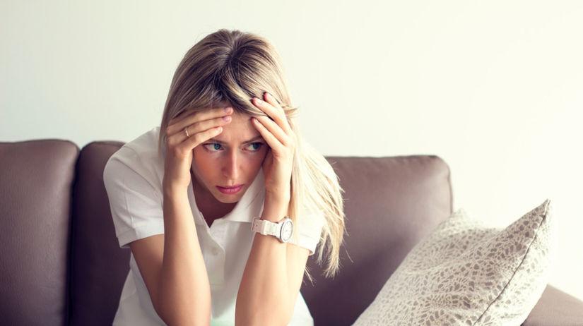 Smútok z rozchodu môže viesť k odmietaniu jedla...
