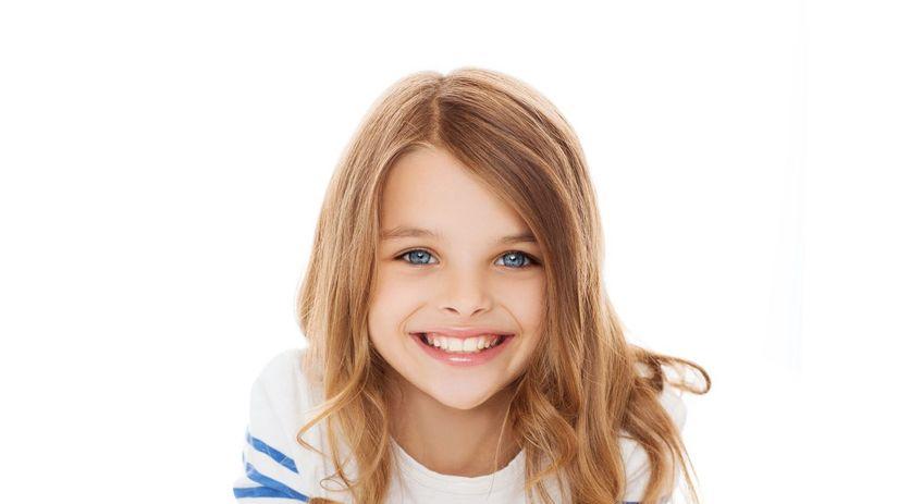 dievča, škola, úsmev, tablet
