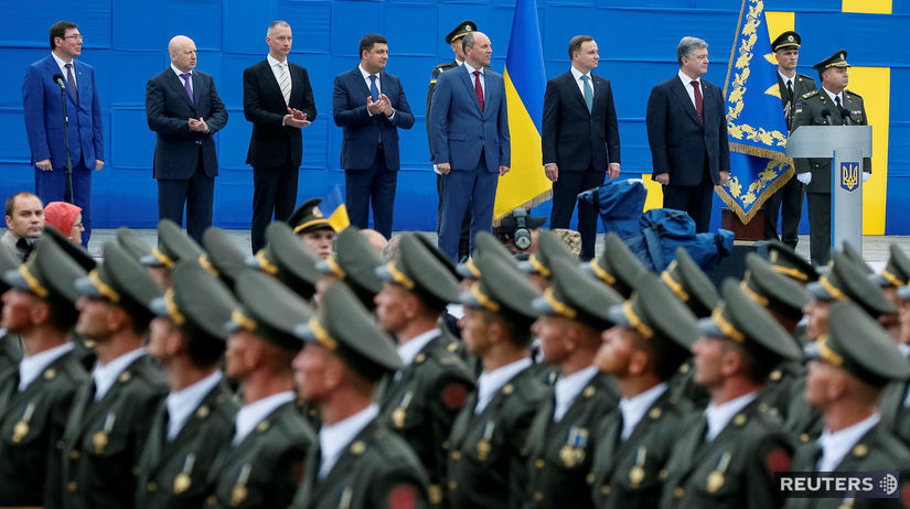 ukrajina, kyjev, vojenská prehliadka, vojaci,...