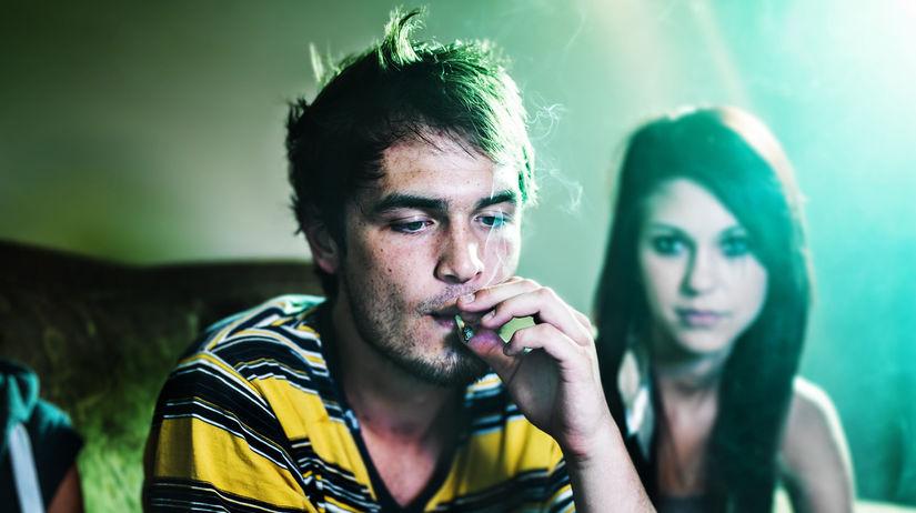 cigarety, drogy, marihuana