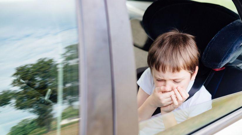 kineóza, auto, nevoľnosť