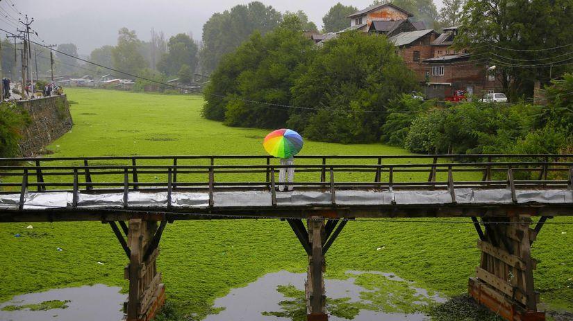 India, Kašmír, most, rieka, dáždnik, rybolov,...