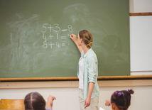 škola, učiteľ, žiaci