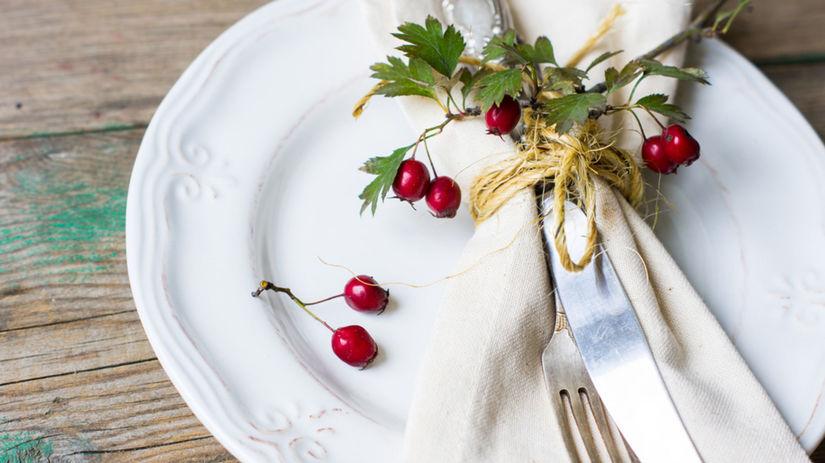 jeseň, prestieranie, stôl