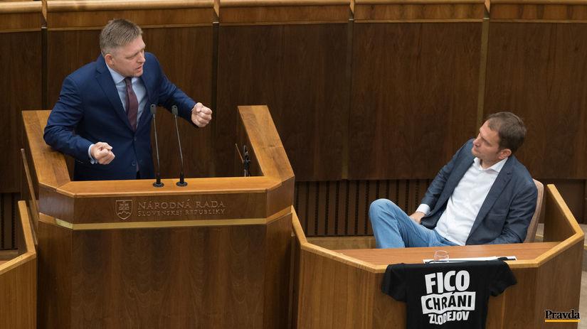 parlament odvolavanie predseda vlády Robert Fico