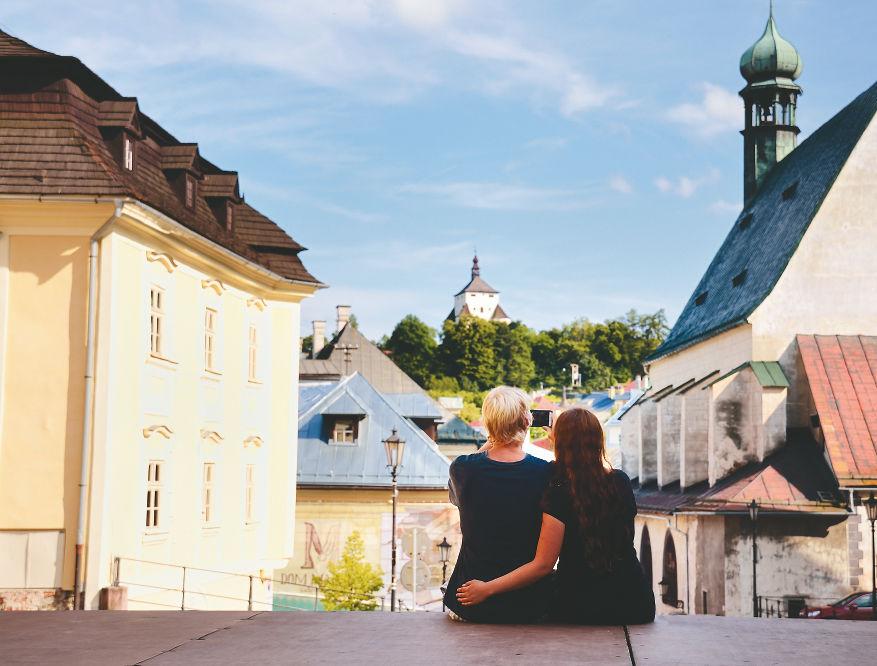 Banská Štiavnica, mesto, výhľad, turisti, cestovanie, pár, dvojica,