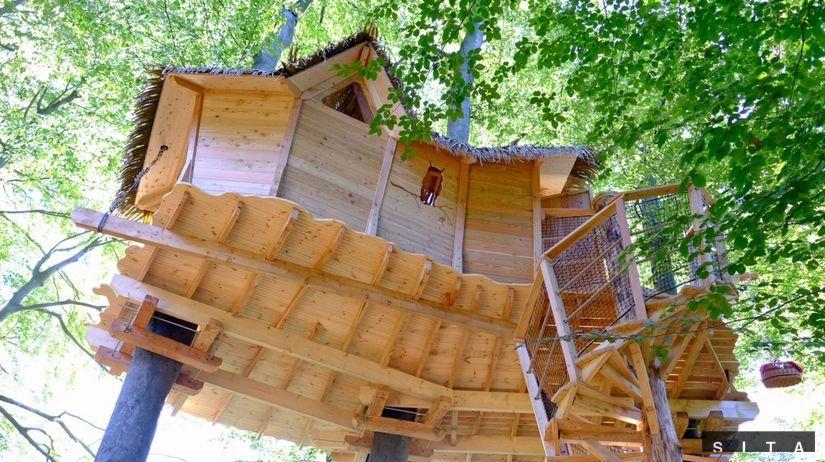 BRATISLAVA: Domček na strome v Kačínskej doline