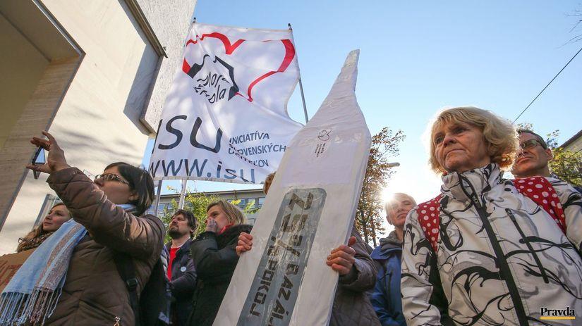 bazalny pochod ucitelov, isu, protest ucitelov