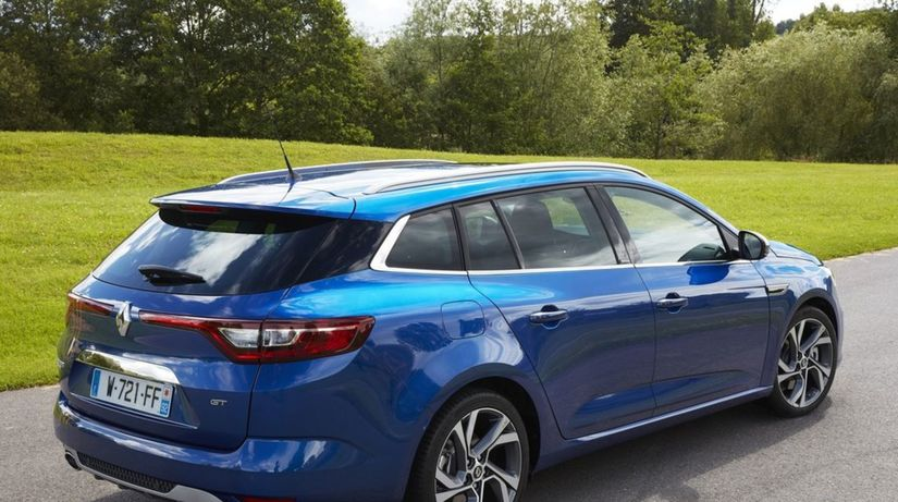 Renault-Megane Estate-2017-1024-0e  1