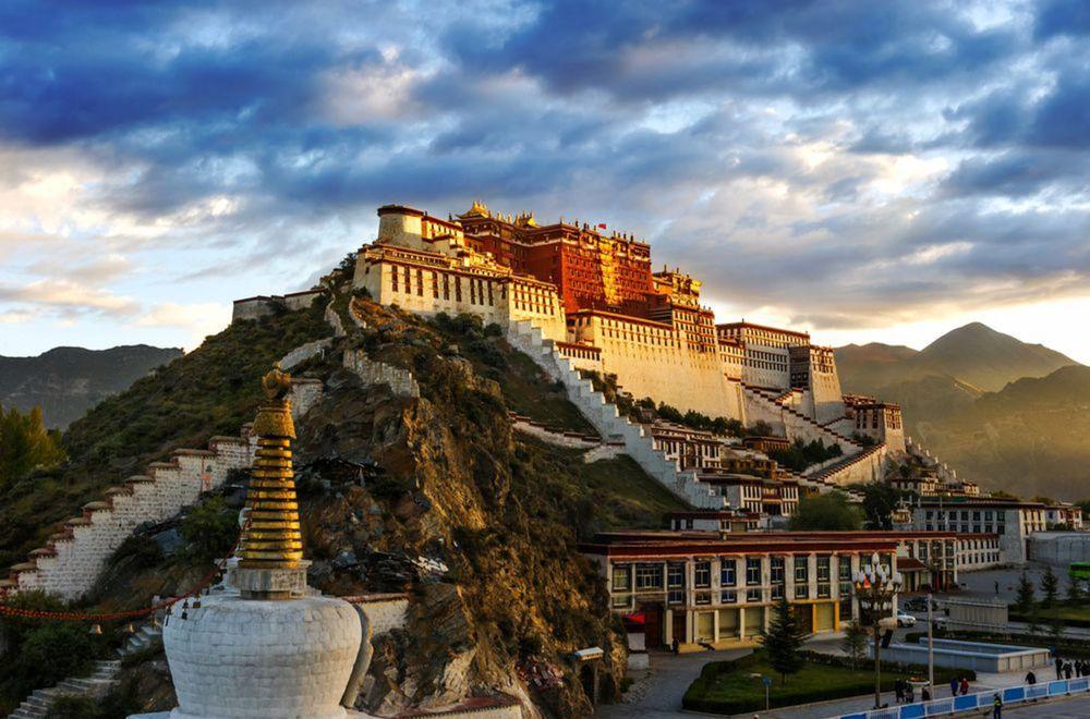 Palác Potala, Lhasa, Tibet, Čína, Červený pahorok, dalajláma, UNESCO, Potála
