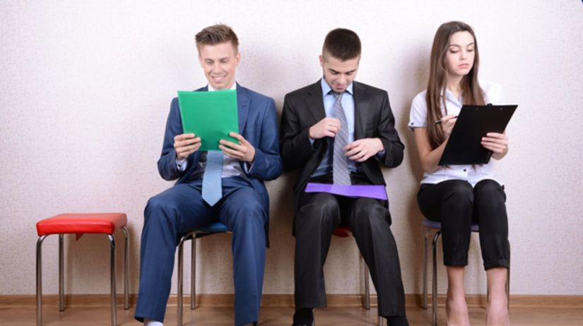 absolventi, študenti, mladí ľudia, uchádzači o...