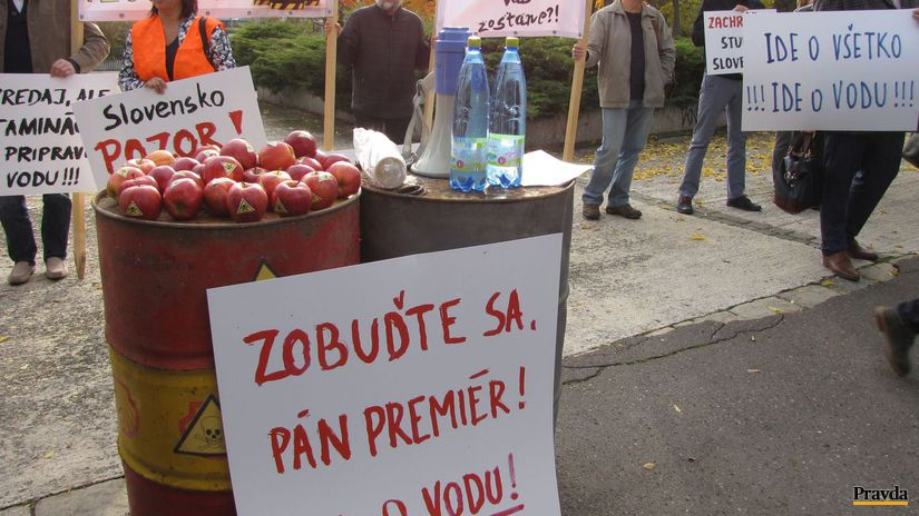 protest, skládka