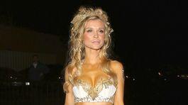 Grécka bohyňa  Táto má poľskú krv a slabosť vyzliekať sa na verejnosti 2a993a2cba5
