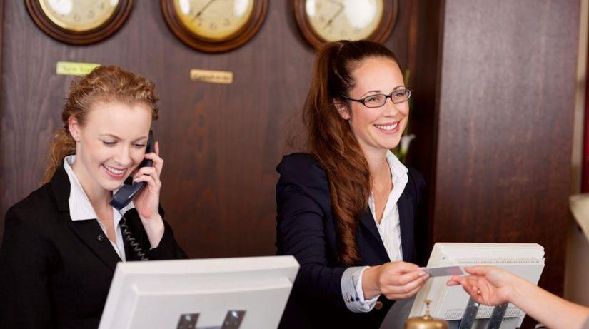 hotel, recepcia, kľúče, recepčné, klient, hosť,...