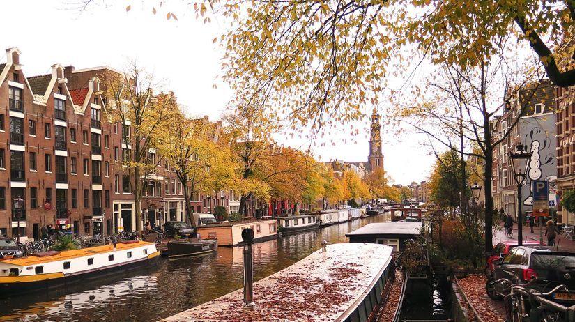 Amsterdam, Holandsko, kanál, loď, čln, jeseň,