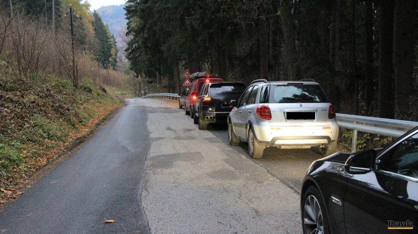 autá, cesta, vodiči