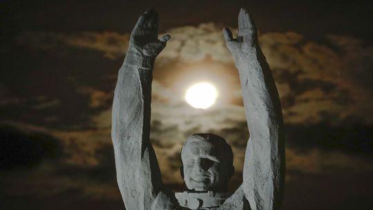 Ukrajinská krížová cesta sa nekončí kalváriou, ale Gagarinom. Príde aj Elon Musk?