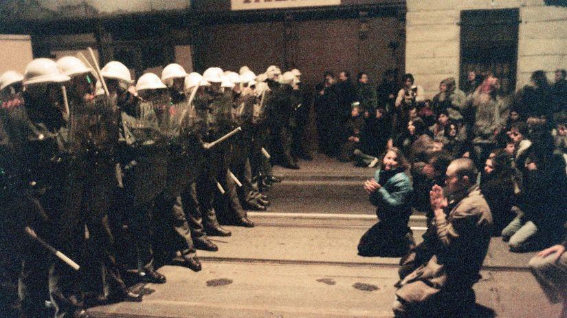 nežná revolúcia, 17. november 1989, študentská...