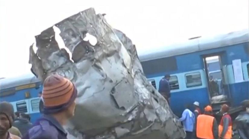 INDIA, vlak, nehoda